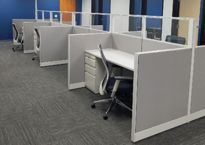 workstations with cubicle partitions